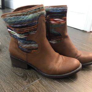 Boots size 8.5, excellent condition